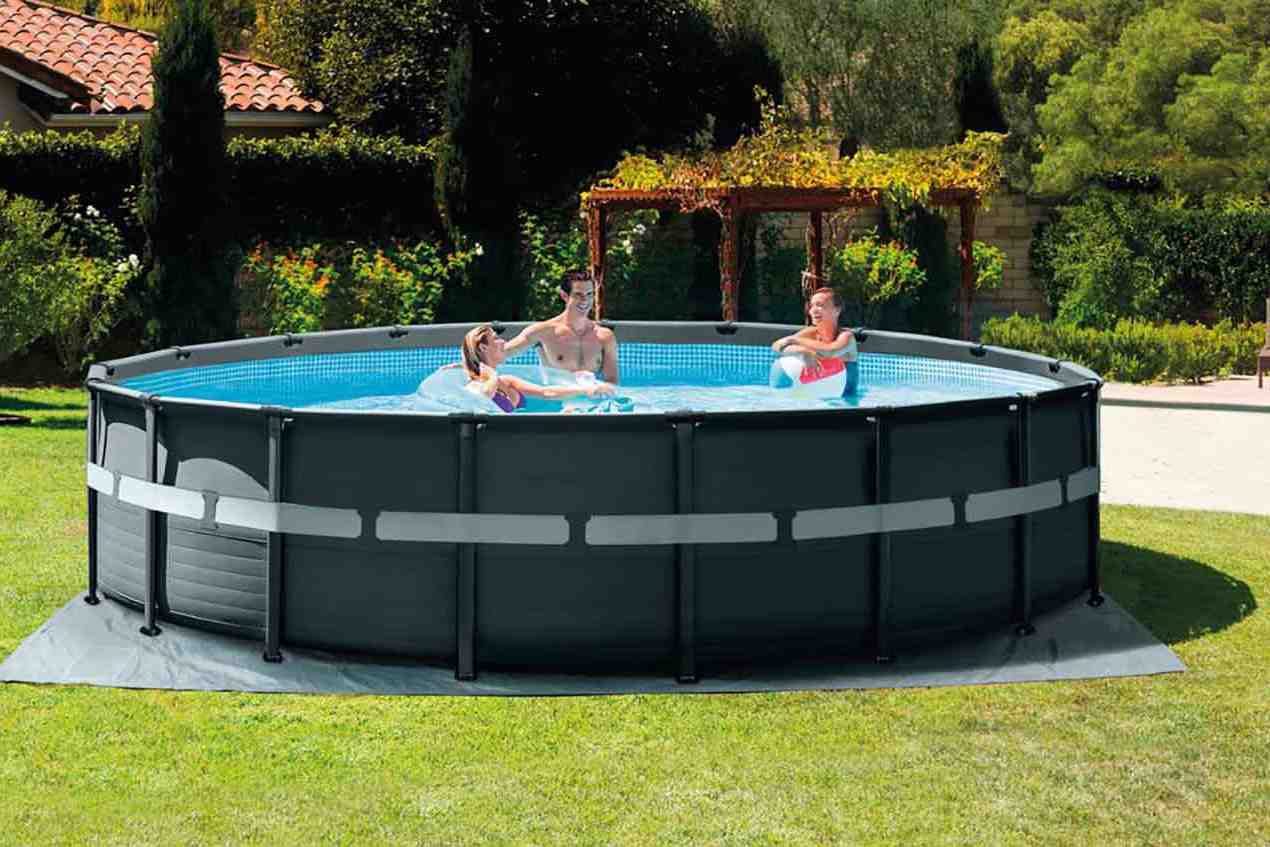 ¿Qué producto poner en el agua de una piscina?